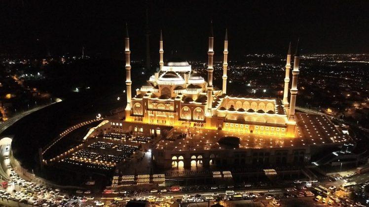 Çamlıca Camii'nde Regaib Kandili